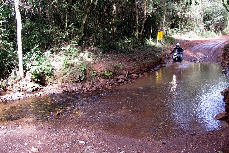 Estrada boa pra trilha indo para Cachoeira de Santo Antônio