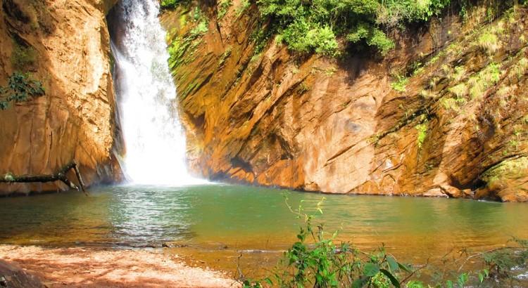 Cachoeira Santo Antônio em Morro Vermelho