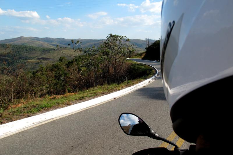 Trecho da estrada pela Serra de Caeté