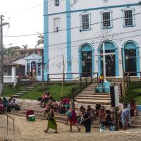 Igreja na pracinha de Morro de SP